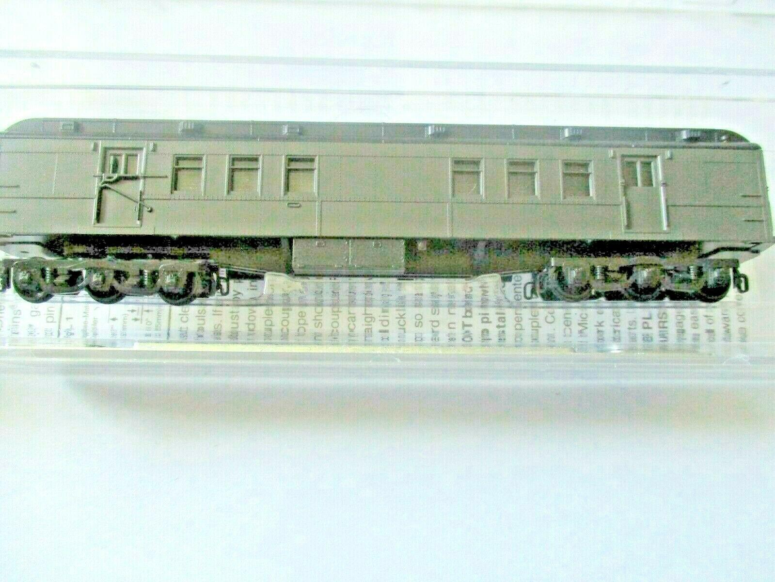 Micro-Trains # 14000001 Undecorated Dark Pullman Green Heavywight RPO Car (N)