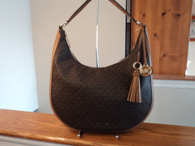 0f4eb51069ec Authentic Michael Kors Lydia Large Hobo and 50 similar items. 57