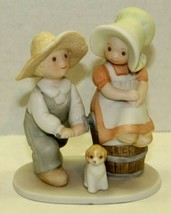 Circle Of Friends By Masterpiece Ceramic Boy And Girl Figurine Taste & S... - $12.87