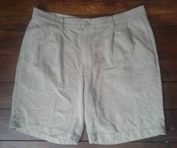 Tommy Bahama 100% Silk Shorts Men,s Size 38 - $14.94