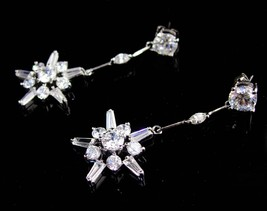 Vintage Star earrings - Bridal jewelry - snowflake chandelier drops - brilliant  image 4