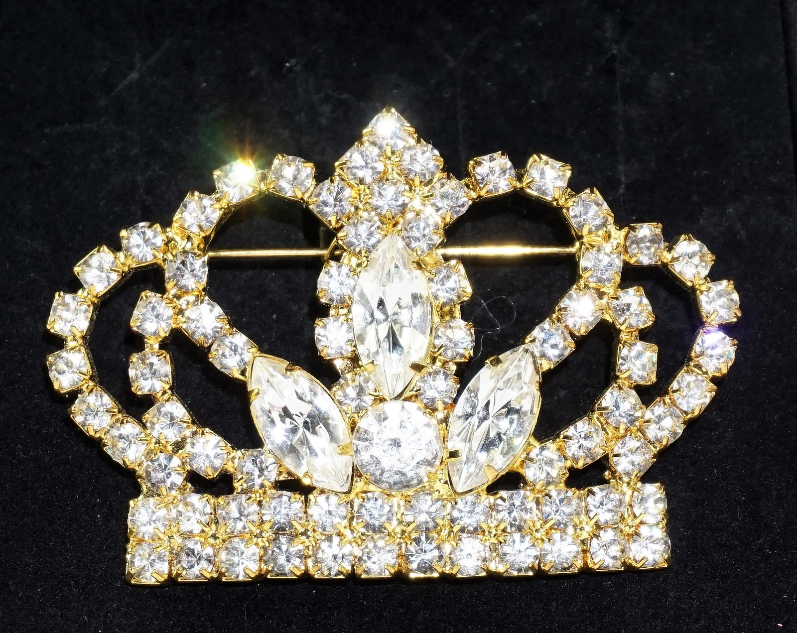 Primary image for Vintage Unsigned Large Prong Set Rhinestone Crown Goldtone Brooch