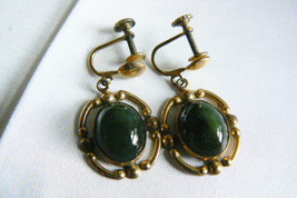 VTG 12k GF Retro Green oval cut Jade stone screw clip earrings - $30.89