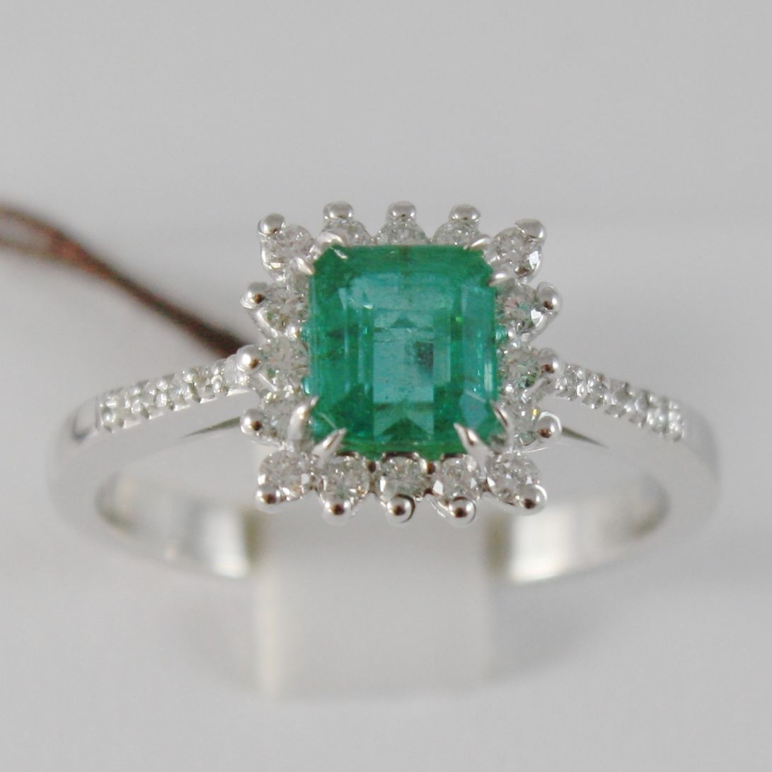 18K WHITE GOLD FLOWER RING WITH DIAMONDS & PRINCESS GREEN EMERALD, MADE IN ITALY