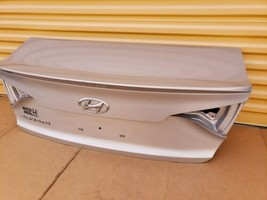 15-17 Hyundai Sonata Trunk Lid W/o Camera Spoiler or Taillights