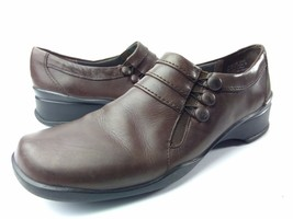 WOMANS CLARKS SLIP ON LOAFER BUTTON 74196 CASUAL SIZE 10 N BROWN - $24.57