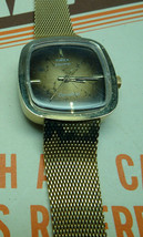 Vintage 1970'S Timex Dynabeat Electric Gold Tone Mesh Band Watch Runs To Restore - $95.00