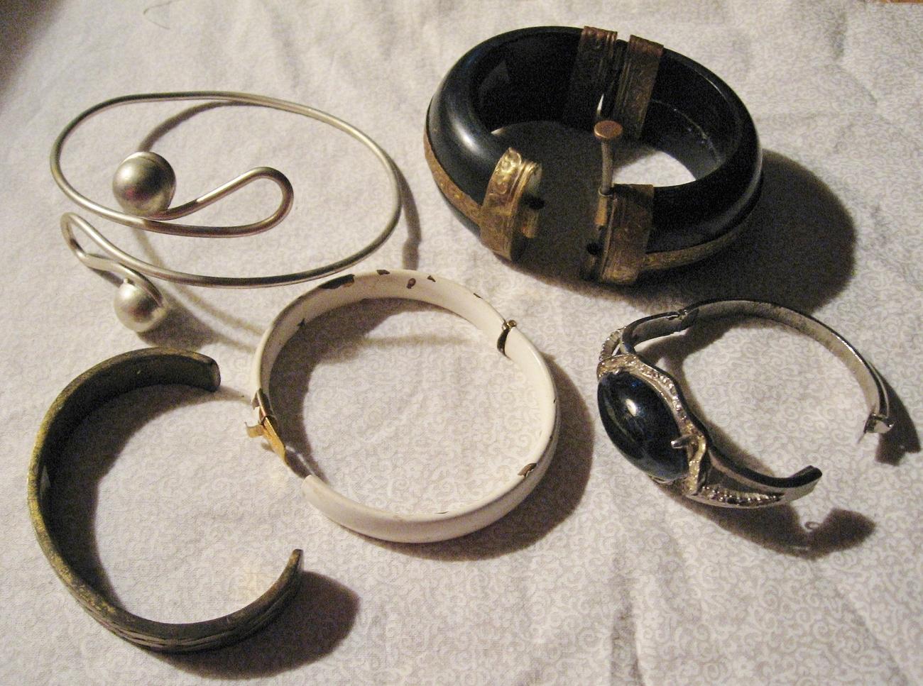 Vintage Set, Lot, Of 5 Bracelets, Arm Band, Hinged - $18.00
