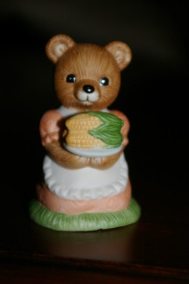 Homco Picnic Mama Bear Retired Home Interiors 1462 Figurines