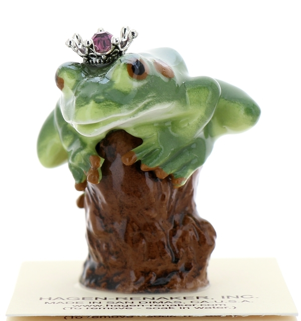 Frog prince on stump05