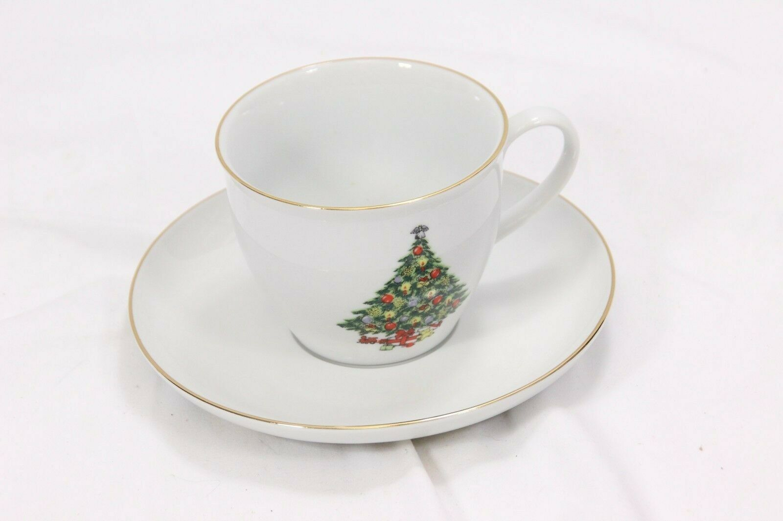 Jamestown Xmas Treasure Bowls Cups Saucers Lot of 12 image 3