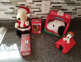 Lot Of 5 Snoopy P EAN Uts Collector Items Christmas Golf Singing Nightlight Book + - $39.59