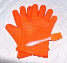 Heat Resistant Silicone Cooking Mit Orange (Loc.104) - $6.99