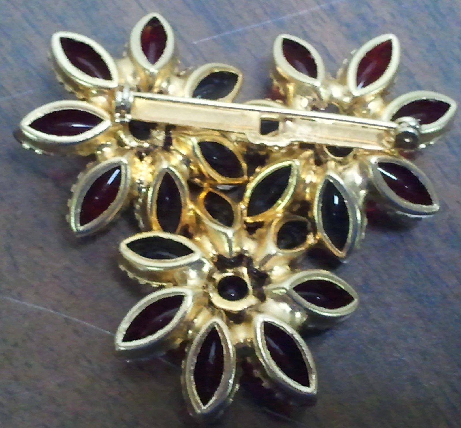 Vintage Glass Round & Navette Cabochon Floral Brooch Demi Set