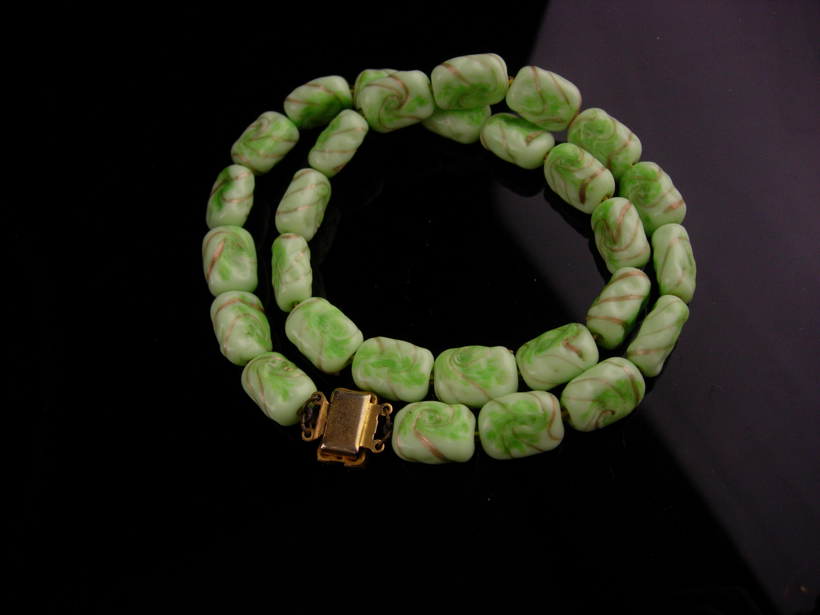1950's Vintage Venetian Necklace - green gold  murano Glass -  irish  choker - I