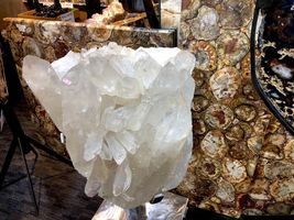 CRYSTAL QUARTZ w/ STAND MINERAL ROCK INCREDIBLE FORMATIONS Sticker $45,000 image 7
