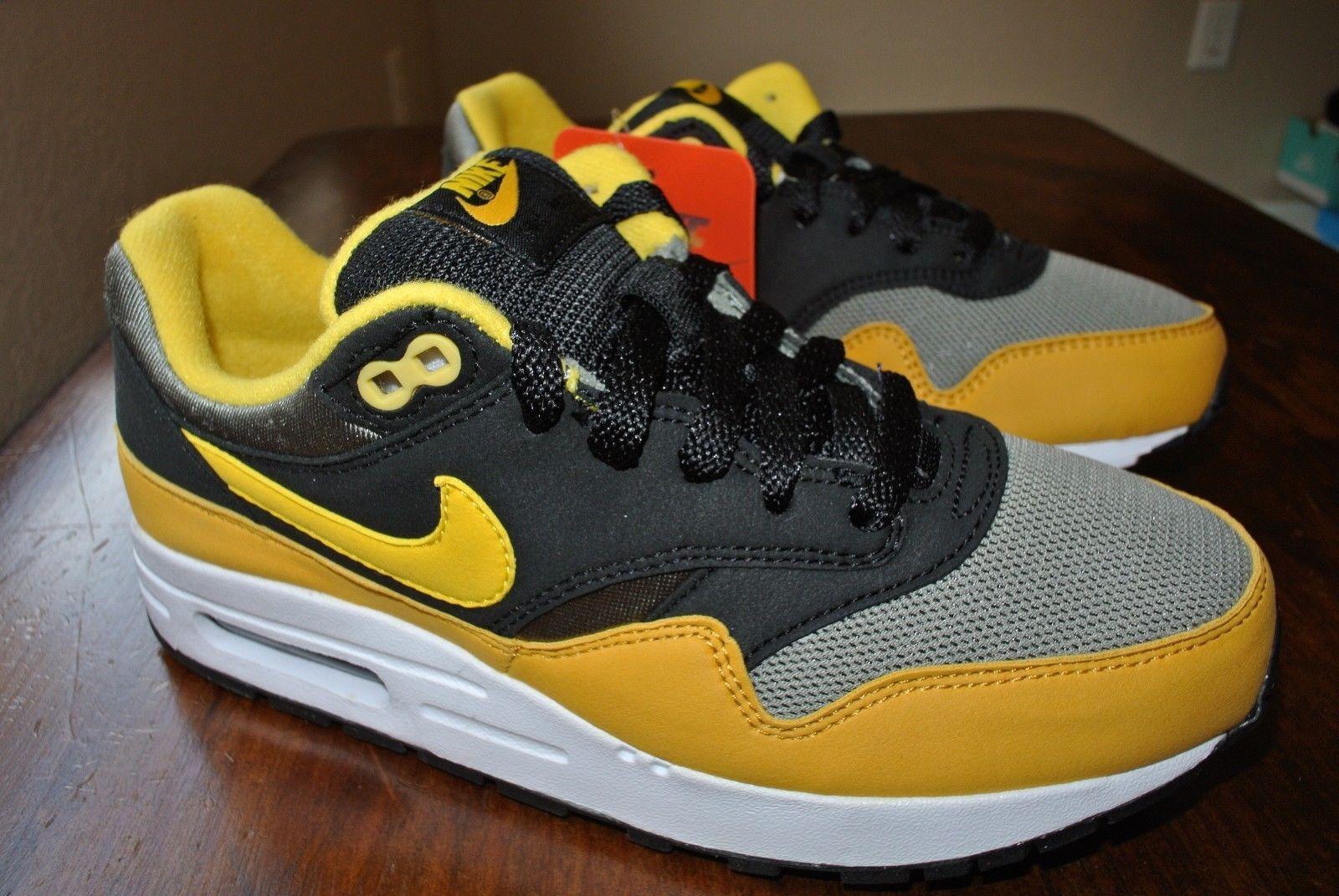 best service 41ca9 b93e7 NIKE AIR MAX 1 (GS) YOUTH BLACK YELLOW GREY 807602 007 US YOUTH SIZE