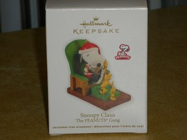 2011 Hallmark Peanuts Gang SNOOPY CLAUS Christmas Ornament New in Box - $11.88