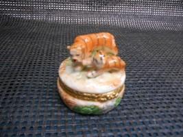 Old 1998 Lefton China Pill Box Trinket Dresser Tiger Motif #11979 Big Cat Jungle - $19.79