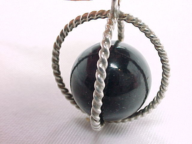 Primary image for 3D STERLING Vintage SPHERE PENDANT with BLACK ONYX Ball -1 3/8 inches -FREE SHIP