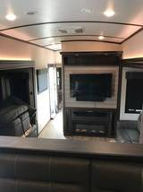 2019 Jayco North Point 5th Wheel FOR SALE IN Phoenix, AZ 85083 image 11