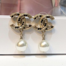 [SALE] AUTH CHANEL GOLD 2 TONE BLACK LARGE CRYSTAL CC PEARL DROP EARRINGS  image 2