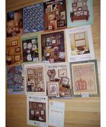 Lot 14 Assorted Cross Stitch Pattern Books Samp... - $12.37