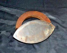 Mrs Potts SAD Iron Note 3 Potts with handle AB 565-EAntique image 7