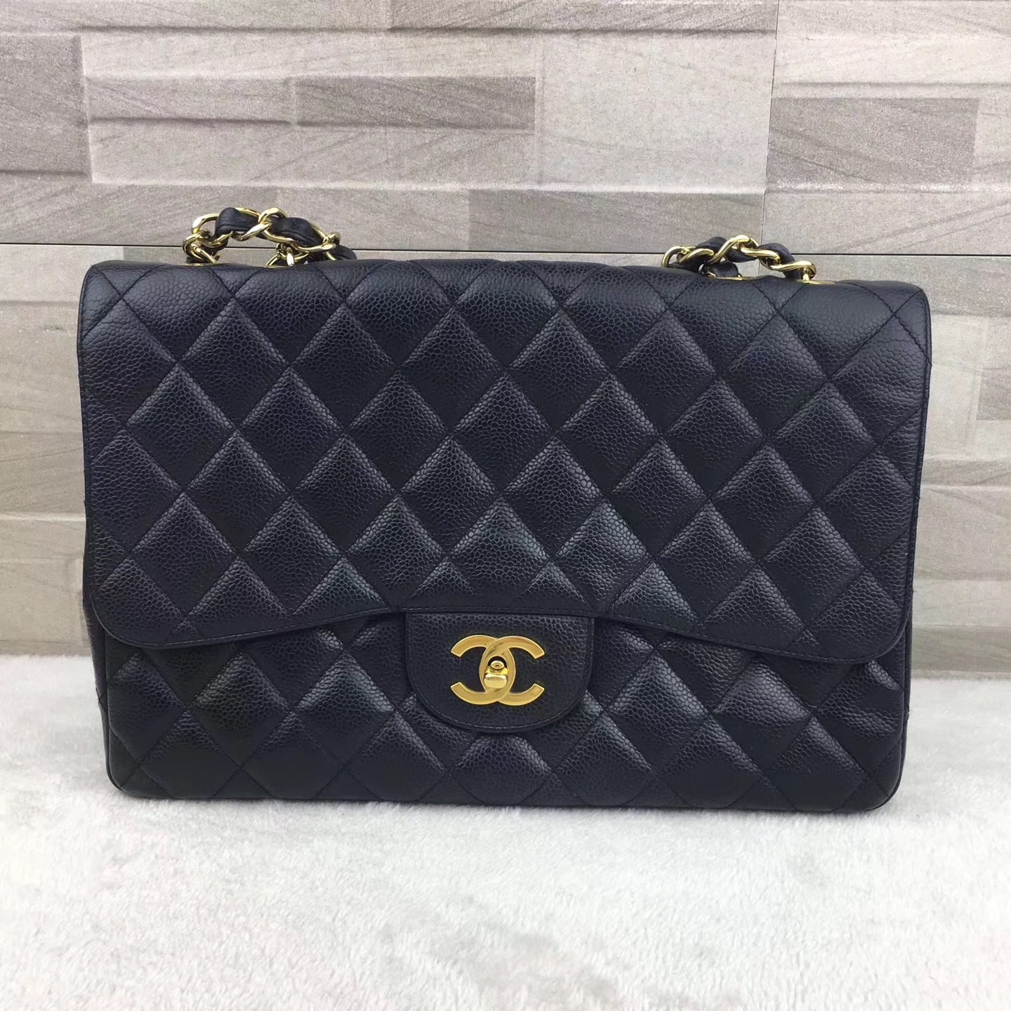 a658755b1d36 AUTHENTIC CHANEL BLACK QUILTED CAVIAR JUMBO CLASSIC FLAP BAG ...