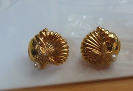Vintage Avon gold-tone Faux Pearl Shell Starfish Pierced Earrings - $15.99