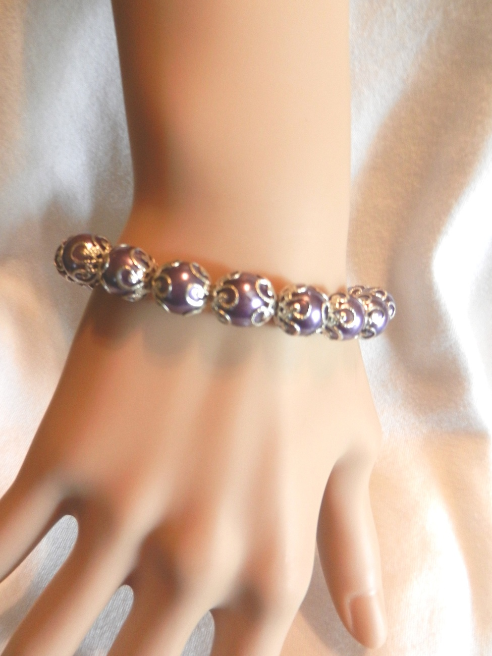 Primary image for New Silver Purple Stretch  Fancy Faux Pearl  Bracelet