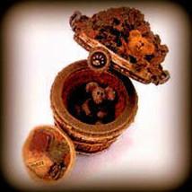 """Boyds Treasure Box""""Devon's Pile O'Leaves w/Rake McNibble""""#392106- NIB- Ret - $19.99"""
