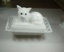 Westmoreland Milk Glass Cat on a Lace Basket Covered Dish Blue Eyes - $49.49