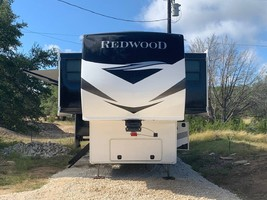 2020 REDWOOD 3951MB FOR SALE IN Spring Branch, TX 78070 image 4