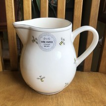 Matceramica Portugal Hand Painted Honey Bee Water Pitcher NWT - $27.72