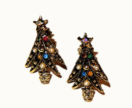 Vtg multi rhinestone faux pearl Christmas tree clip on earrings - $9.75