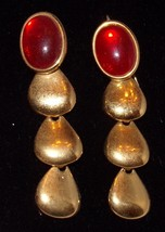 Napier Vtg Costume Jewelry Earrings Gold Tone w/ Red Stones Dangle - $18.25