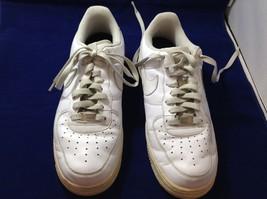 Nike Air Men's White Athletic Shoes Sz 9