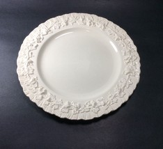 """Wedgwood Cream Color on Cream Shell Edge Grape Luncheon Lunch Plate s 9"""" - $19.78"""