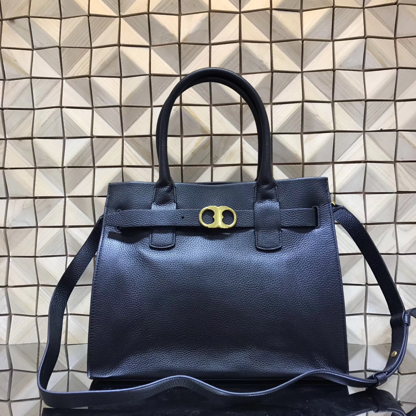 Primary image for NWT Tory Burch Gemini Link Leather Tote