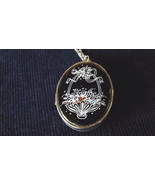 SARAH COVENTRY SILVER CHAIN PICTURE PENDENT NECKLACE VINTG COSTUME JEWEL... - $20.00