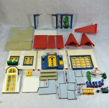 PLAYMOBIL MODERN HOUSE HOME #3965 PARTS AND ACCESSORIES  - $39.59