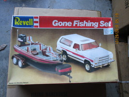 Revell Gone Fishing Set 1/25 scale Dodge Ramcharger & Ranger Bass Boat - $79.99