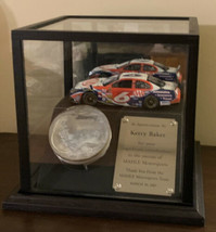 Race-Used Piston & Mark Martin #6 2006 AAA 1:24 Die-cast Car in Glass Display - $222.74