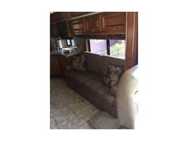 2014 Tiffin Motorhomes ALLEGRO BREEZE 32BR For Sale In Benicia, CA 94510 image 5