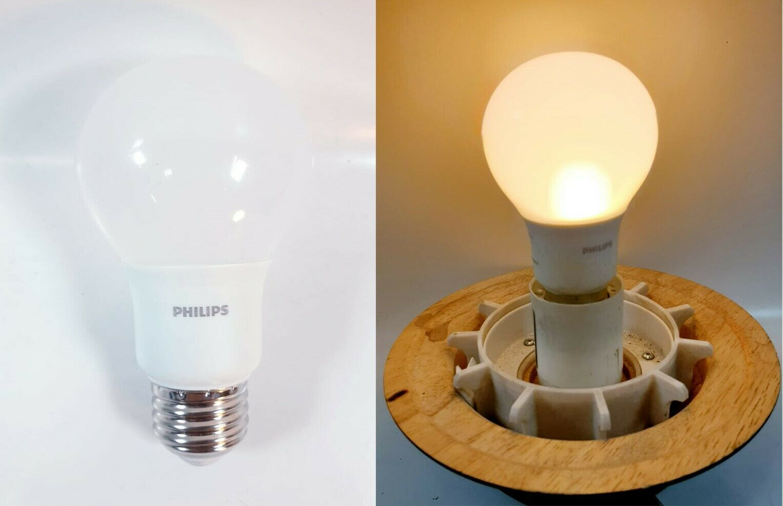 Quantities listing 4 Philips LED A19 Light Bulb-M Base - 5.5W - Soft White - $9.81