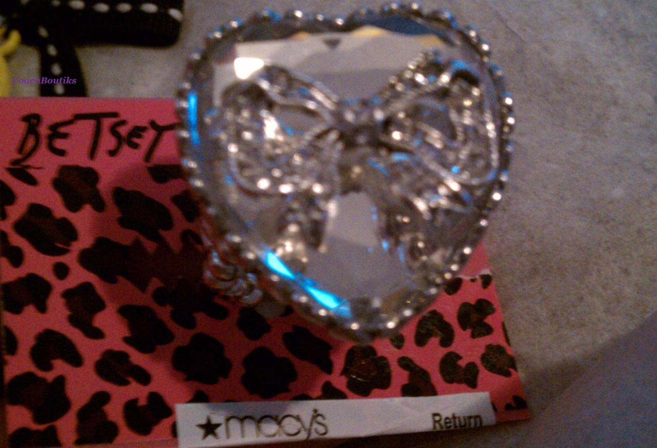 Betsey Johnson Crystal Heart & Bow Ring NWT