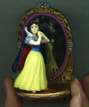 Disney Snow White at Mirror rare figurine
