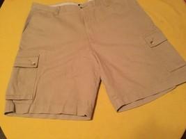 Mens New Size 38  Izod  khaki premium cargo shorts flat front Inseam 9 i... - $35.59