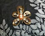 Vintage cameo brooch pendant1 thumb155 crop